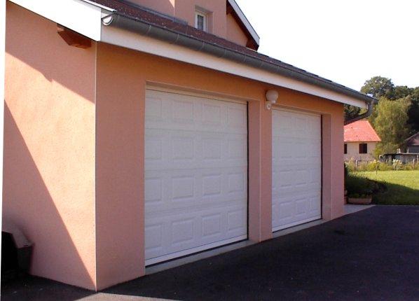 Porte et portail lyon portail cofreco porte for Portail garage enroulement